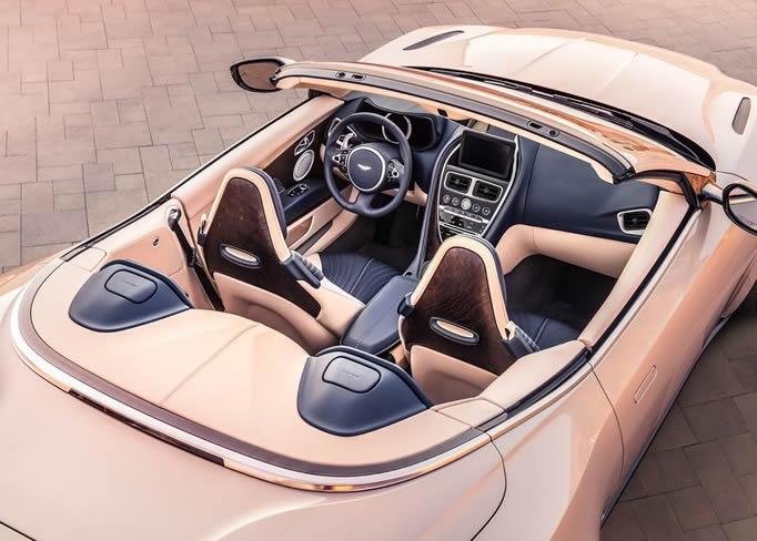 Louer une Aston-Martin-DB11-Volante