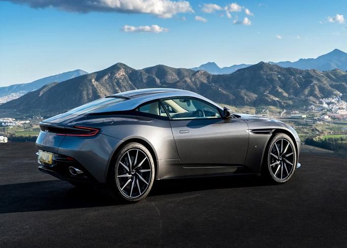 rent Aston-Martin-DB11