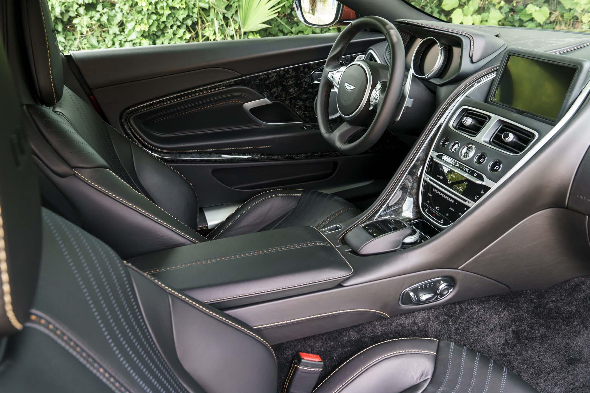 Aluguer Aston Martin Db11 Em Nice Monaco St Tropez Cannes Paris
