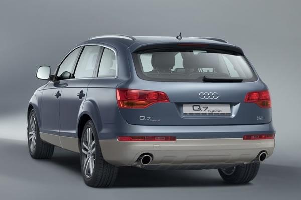 hire Audi-Q7