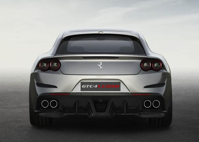 Louer une Ferrari-GTC4Lusso