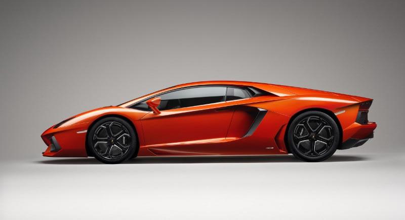 hire Lamborghini-Avantador