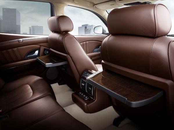 hire Maserati-Quattroporte