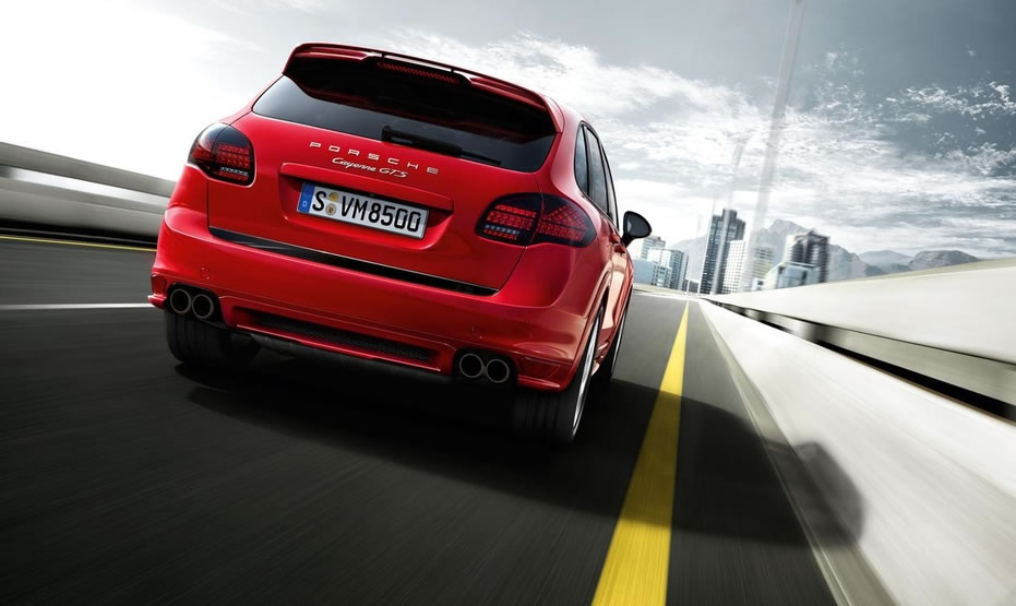hire Porsche-Cayenne-GTS