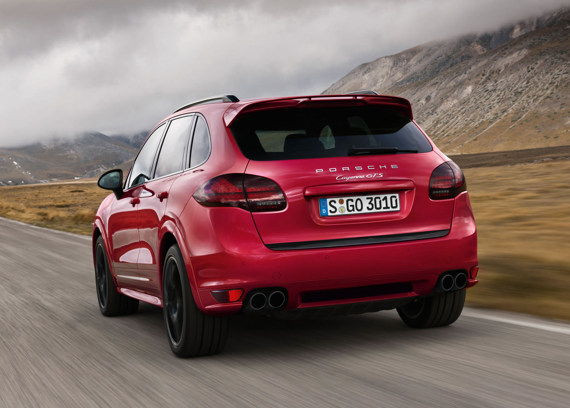 porsche macan india with Porsche Cayenne Gts on Bmw Reveals M Performance Parts 2017 5 Series 2523 as well porsche together with Mercedes Gle Coupe Bmw X6 Vergleich 5881346 in addition Porsche Cayenne GTS furthermore Y2016.