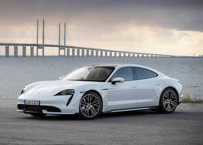 rent Porsche-Taycan