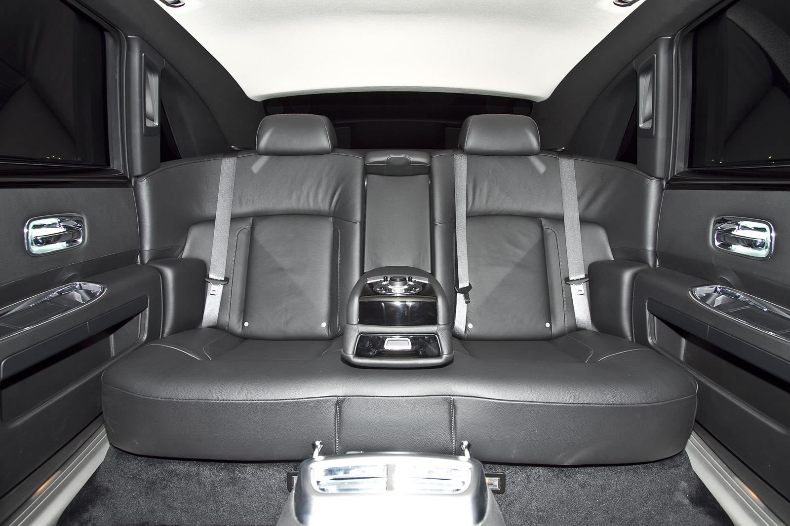 location rolls royce ghost cannes nice monaco st tropez. Black Bedroom Furniture Sets. Home Design Ideas